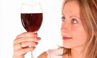 """Cum să trăieşti mai mult: de la vinul roşu la """"celulele nemuritoare"""""""